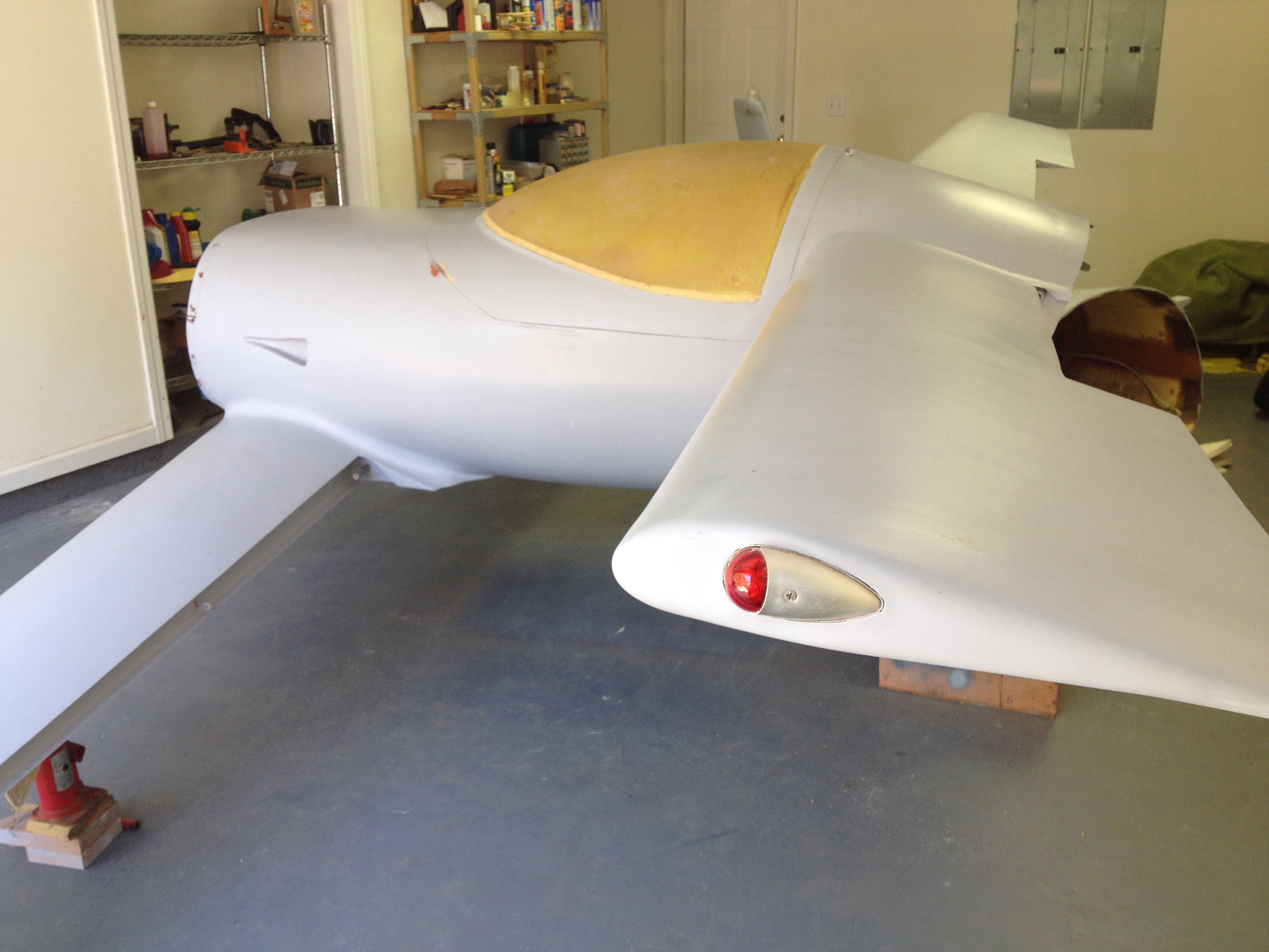 2 Front fuselage, left rear
